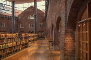 スウェーデンにあるおちついた図書館イメージ20180413