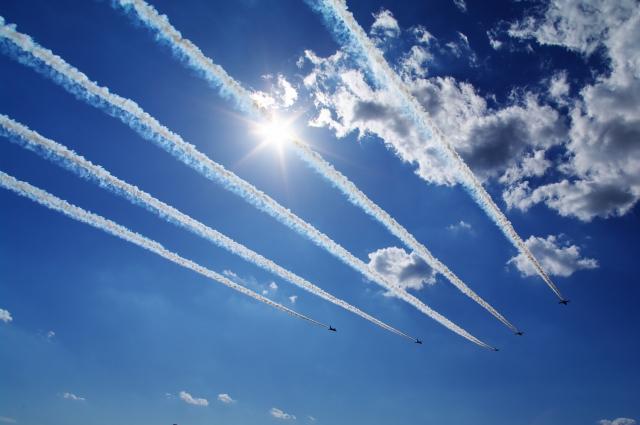 戦闘機ブルーインパルス飛行ショー20190125