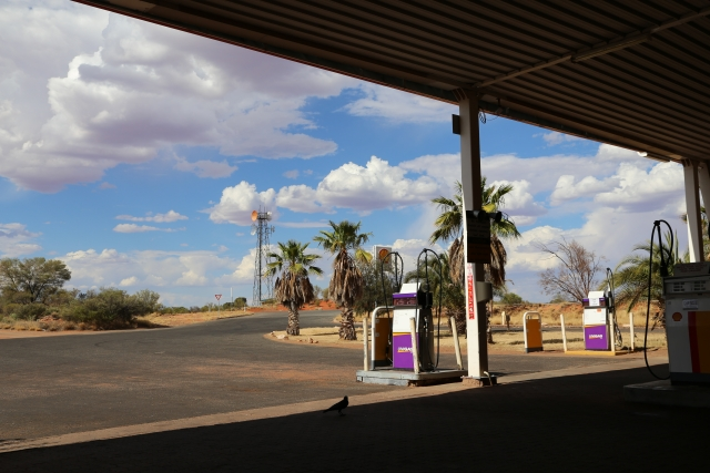 海外のガソリンスタンド20201014